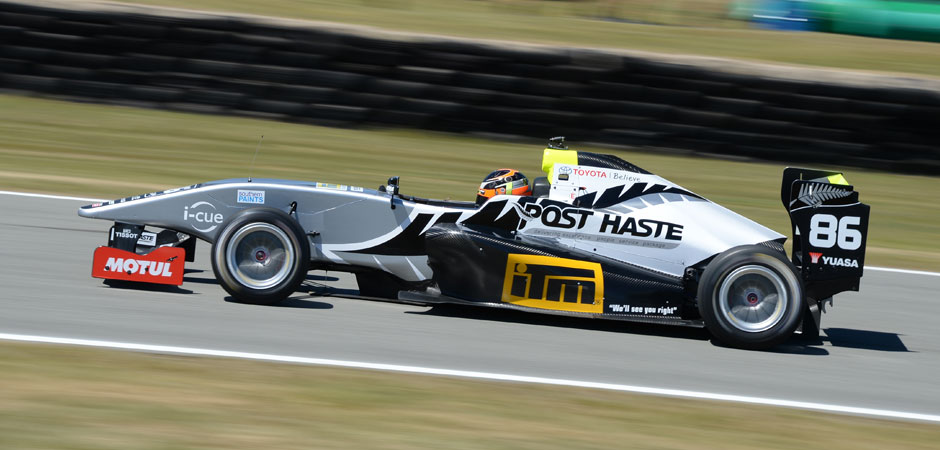 Kiwi_driver_fund_boosts_young_drivers_into_TRS_2015_940x450-web