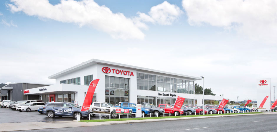 Toyota dealers cut power use