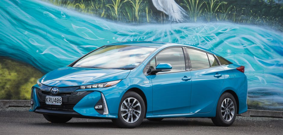 NZ-new-Prius-Prime-is-the-new-benchmark-in-fuel-efficiency_HERO_940x450