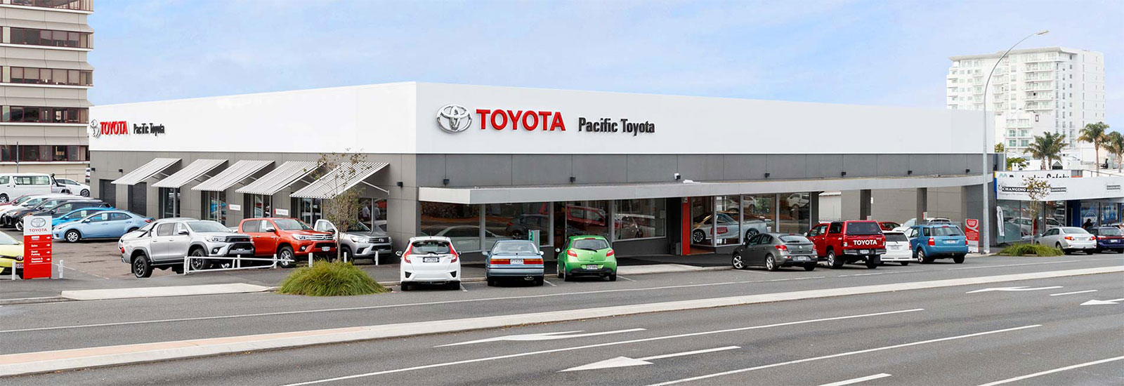 pacific_toyota_dealership_1600x550