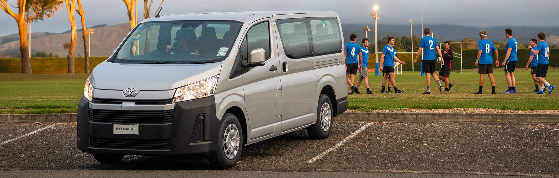 Kelebihan Toyota Minibus Perbandingan Harga