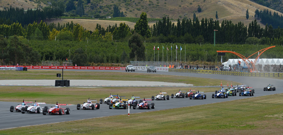 Toyota-Racing-Series-returns-to-Highlands-Motorsport-Park_HERO_940x450