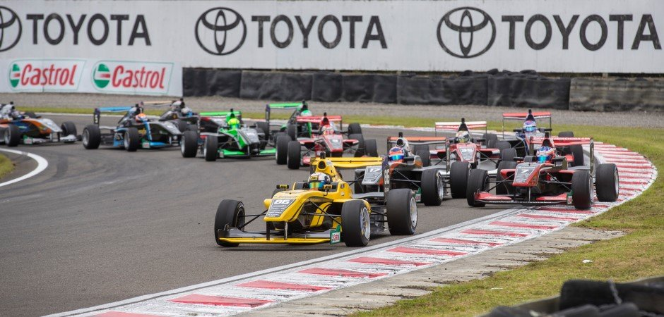Entries-open-for-2019-Castrol-Toyota-Racing-Series_ARTICLE_940x450
