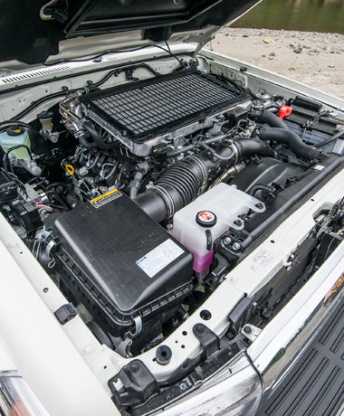 LC70-engine-features_380x460