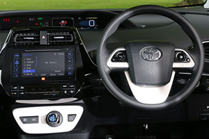 Prius-Hatch_interior-beauty_300x200