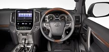 LC200-VX-Limited-2015-Interior-014-940x450